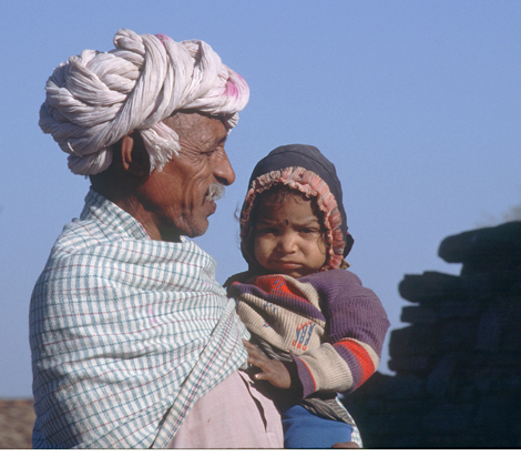 India_grandfather_and_child