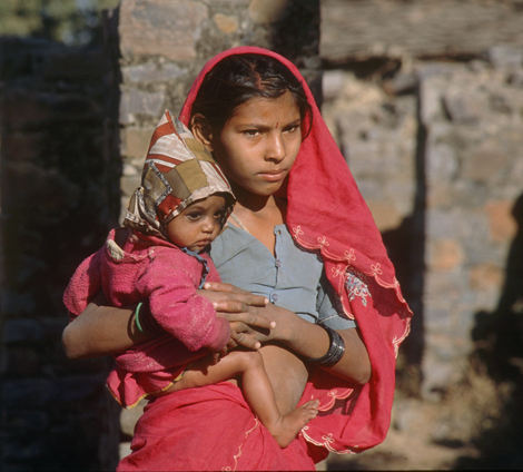 India_mother_and_child