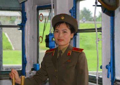 NorthKorea_005_woman_soldier