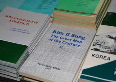 NorthKorea_021_books