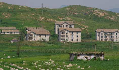 NorthKorea_093_houses