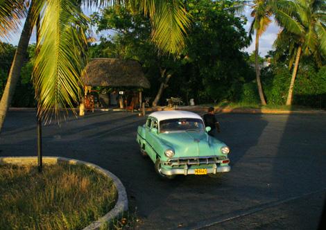 cuba-106-Classic-car---59-Chevy