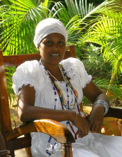 cuba-116-Santeria-religious-participants-wear-white