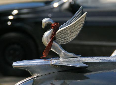 cuba-138-Classic-hood-ornament