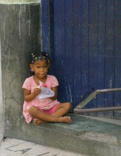 cuba-36-Girl-in-plaza