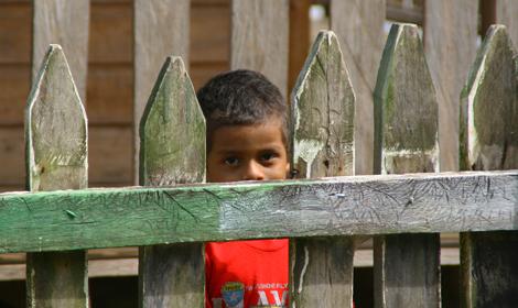 nicaragua-646.1-Curious-boy-in-Orinoco
