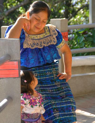 guatemala-504 Mom and daughter in Santiago