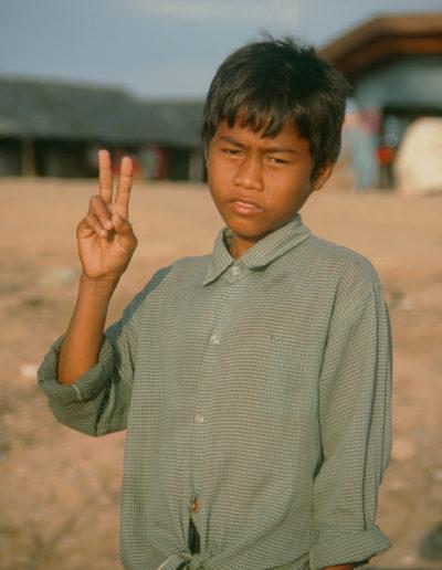 India_boy_peace