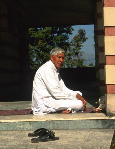 India_priest_2