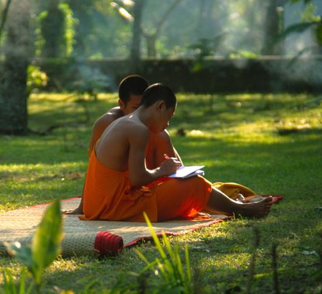 Laos_2_monks