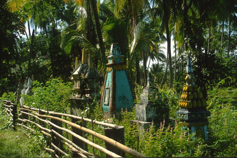 Laos_stupas