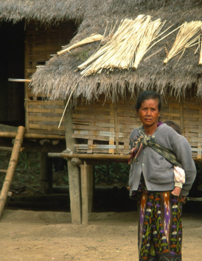Laos_woman_and_child_2