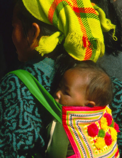 Laos_woman_and_child_3