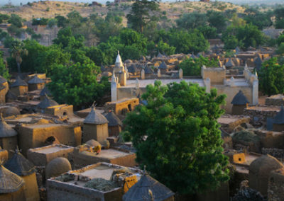 Mali_907_m_dogon_vilage_from_hiltop