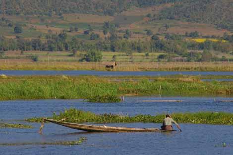 Myanmar_019_lake_scenic