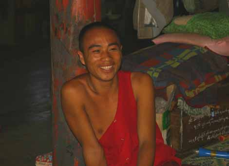 Myanmar_110_monk_2