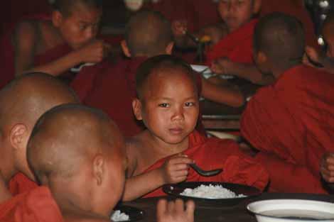 Myanmar_111_boy_monk_4