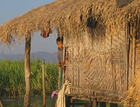 Myanmar_523_boy_in_hut