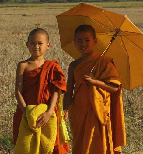 Myanmar_541_two_boy_monks