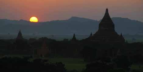 Myanmar_682_bagan_sunset
