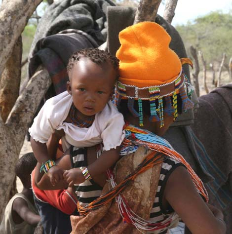 Namibia_046.2_woman_child