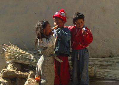 Nepal_3_kids