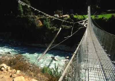 Nepal_bridge_on_trek_3