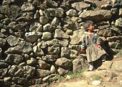 Nepal_lost_in_rocks