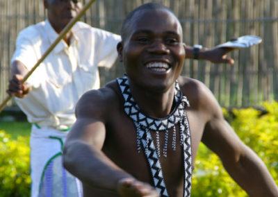 Rwanda_985_r_male_dancer