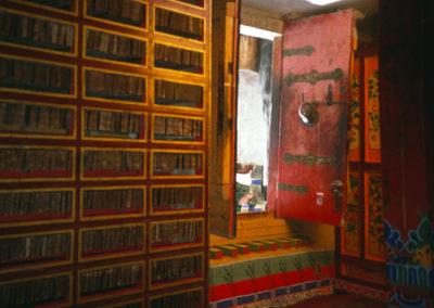 Tibet_library_of_scriptures