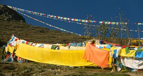 Tibet_prayer_flags_14