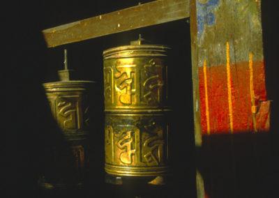 Tibet_prayer_wheel_5