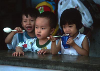 Vietnam_3_kids