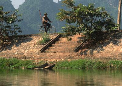 Vietnam_man_on_bike