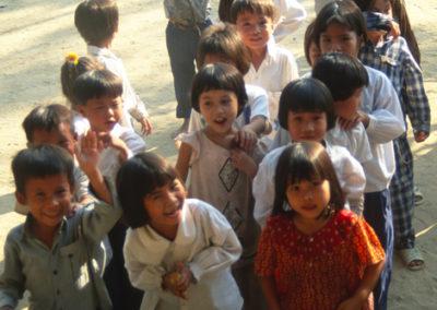 Vietnam_school_kids_2