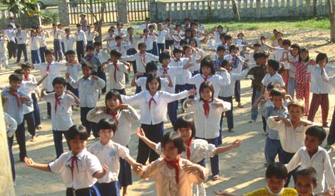 Vietnam_school_kids_3