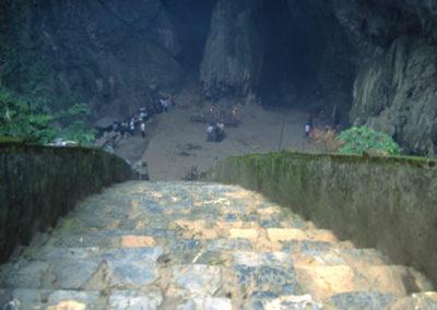 Vietnam_spiritual_cave